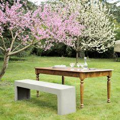 Lyon Béton Furniture | Pfeifer Studio