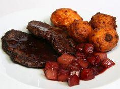 Szarvaskaraj vörösboros-gyümölcsmártással Pot Roast, Ethnic Recipes, Food, Carne Asada, Roast Beef, Essen, Meals, Yemek, Eten