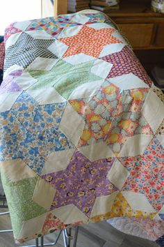 THE QUILT BARN: Vintage Quilt Thursday: 6 Pointed Star