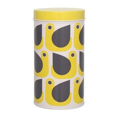 Store food in ultimate style with this luxurious canister from Orla Kiely. Made from tin, this storage canister has a secure lid, perfect for keeping pastas dry or tea bags safe. Adorned with an all o
