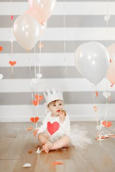 Heart themed first birthday: http://www.stylemepretty.com/living/2013/05/31/a-first-birthday-party/ | Photography: Bia Sampaio - http://biasampaio.com/