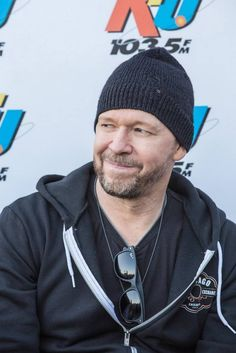 Singer Donnie Wahlberg of New Kids On The Block left a $2,000 tip for an $82.60 meal at Waffle House.