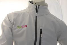 Algunas imágenes de nuestro trabajo a la hora de bordar prendas de ropa de Soft Shell.