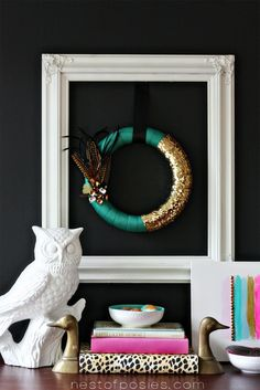 Come see how easy it is to make this Pantone Emerald Green Fall Feather Wreath via Nest of Posies