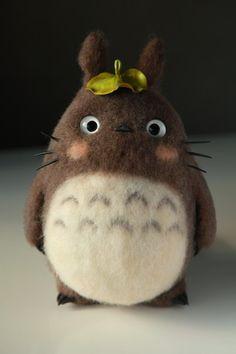 Enamorada!! Totoro de fieltro con aguja