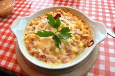 authentic Swiss recipe dish Aelplermagronen meaning Macaroni of the Alps This is macaroni and cheese with potatoes and ham Very good and tasty You need to try it when in Switzerland Swiss Recipes, Soup Recipes, Healthy Recipes, Austrian Recipes, Tasty, Yummy Food, International Recipes, I Love Food, Food Dishes