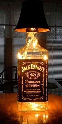 14 original decorations to make from Jack Daniels bottles . - 14 original decorations to make from Jack Daniels bottles – DIY – Tips and DIY - Lampe Jack Daniels, Jack Daniels Bottle, Jack Daniels Decor, Liquor Bottles, Bottles And Jars, Wine Bottle Crafts, Bottle Art, Big Bottle, Glass Bottle