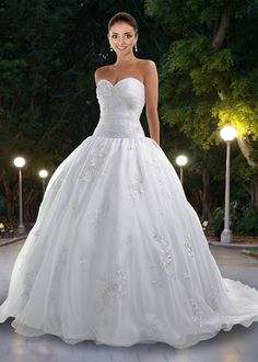 Ok if I did do a ballgown dress, I could maybe see myself wearing something like this.