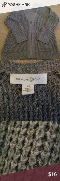 Treasure and Bond Cardigan Treasure and Bond, gray cardigan, size xs, gray with a little bit of green in the thread, zips down bottom half of front, perfect condition only worn a few times Treasure & Bond Sweaters Cardigans