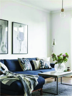 blue couch living room astonishing living room ideas with blue sofa best navy couches marvelous living room guide gorgeous best navy blue couches ideas on living room navy blue blue couch living room Blue Couch Living Room, Living Room Paint, New Living Room, Living Room Modern, Living Room Interior, Home And Living, Living Room Designs, Living Room Decor, Modern Couch
