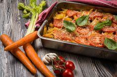 Uunipasta on mahtava arkiruoka - riittää seuraavaksikin päiväksi Veggie Recipes, Cooking Recipes, Veggie Food, Paella, Risotto, Carrots, Food And Drink, Yummy Food, Baking