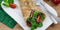 Low Carb Wrap mit Avocado & Frischkäse-Pesto-Füllung. Gesunde kohlenhydratarme Ernährung, die schmeckt und sättigt. Das ist unser Low Carb Wrap