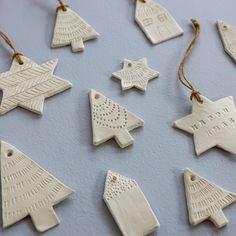 Try these Easy DIY Clay Decorations! Clay Christmas Decorations, Christmas Clay, Diy Christmas Ornaments, Holiday Crafts, Handmade Decorations, Christmas Ideas, Christmas Tree, Diy Niños Manualidades, Navidad Diy