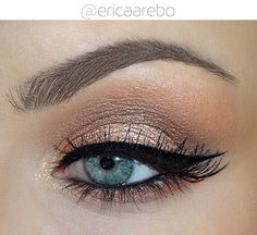 Gold and caramel makeup using Too Faced Semi Sweet Chocolate Bar All info on my Instagram: ericaarebo