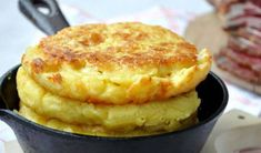 Turte coapte cu malai, ca pe vremuri - Sunt absolut geniale! No Carb Recipes, Sweets Recipes, Baby Food Recipes, Cookie Recipes, Raw Cheese, Baking Bad, Romanian Food, Pastry And Bakery, No Cook Desserts