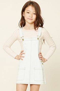 Forever 21 Girls - A denim overall dress featuring two front patch pockets, adjustable straps, and a side button closure. Preteen Fashion, Kids Fashion, Fashion Outfits, Emo Fashion, Cute Girl Outfits, Kids Outfits Girls, Moda Junior, Forever 21 Girls, Shop Forever