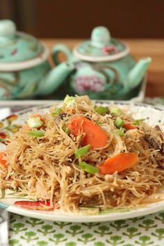 This tastes just like it is from a Thai restaurant! Healthy Thai Stir Fried Noodles & Tofu with Sweet Soy Sauce Low Calorie, Low Fat, Meatless Dinner #ad