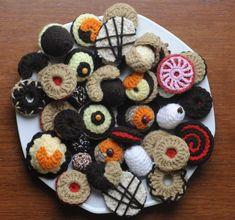 Crocheted Czech Christmas Cookies – Last Forever! (Hackovane Vanocni Cukrovi – Vydrzi Navzdy!) | CzechFolks.com