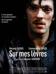 Sur mes lèvres est un film de Jacques Audiard avec Vincent Cassel, Emmanuelle Devos. Synopsis : Carla Bhem, une jeune femme de 35 ans au physique plutôt moyen et qui porte des prothèses auditives, est secrétaire à la Sédim, une agence immobilière