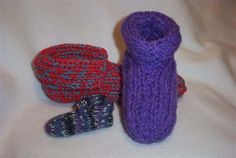 Made to Fit Double Knit Slippers | Try your hand at loom knitting with these cute slippers.
