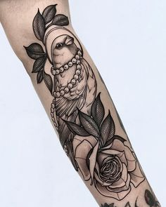 Sparrow and rose blackwork tattoo Weird Tattoos, Rose Tattoos, Black Tattoos, Tatoos, Cardinal Tattoos, Bug Tattoo, Tattoo Designs, Sparrow Tattoo, Tattoo Spirit