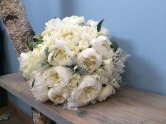 Bouquet de mariée, pivoines blanche.  Rose pivoine by Marilyn.
