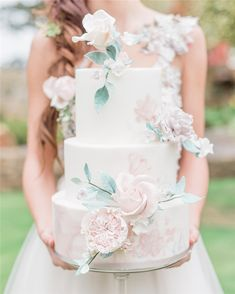 Trendy And Gorgeous Wedding Cake For Your Wedding Fantasy 2020; Wedding Cakes; Floral Wedding Cakes; Floral Cakes; Romantic Cakes; Fondant Wedding Cake; Cheese Wedding Cake; Nude Wedding Cake; Buttercream Wedding Cake;#weddingcake #floralweddingcake #cake #weddingart #fondantcake #cheesecake #nudecake #buttercreamcake Wedding Cake Fresh Flowers, Beautiful Wedding Cakes, Elegant Wedding, Rustic Wedding, Beautiful Cakes, Pretty Cakes, Wedding Trends, Wedding Styles, Wedding Ideas