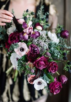 Noble berry tones: 45 inspirations for the wedding - wedding box - wedding berry tones, wedding blackberry, wedding decoration berry tones, bridal bouquet purple - Wedding Boxes, Wedding Flowers, Wedding Ideas, Spring Wedding Colors, Wedding Photography Inspiration, Photography Ideas, Gothic Wedding, Berries, Wedding Planning