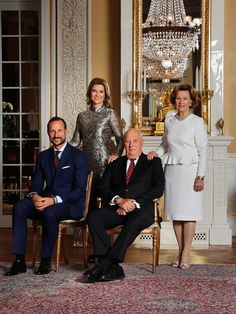 The King and Queen with their son and daughter, Crown Prince Haakon and Princess Märtha Louise. These photographs were taken on the occasion of their 80th anniversary. Photo: Lise Åserud, NTB scanpix Photo album with pictures of the Royal Family of Norway through the year 2017.