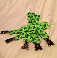 .Pacifier Clip Pee Wee Mini Green Frogs Universal Clip for Baby Pacifi | bitspeaces - Children's on ArtFire