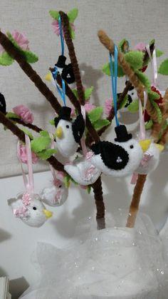 Chaveiros de passarinhos Noivos e árvore em feltro