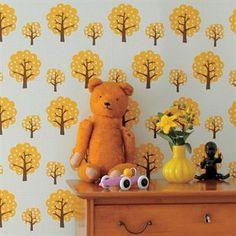 Die Kindertapete Dotty von Ferm Living wird von einem stylischen Retromuster von Trine Andersen geziert. Diese Kindertapete ist perfekt, um ein bisschen mehr Leben ins Kinderzimmer zu bringen.Dotty ist eine Kindertapete in Wallsmart-Qualität, einem innovativen Material, das einfacher und schneller anzubringen ist, als herkömmliche Tapeten. Design von Trine Andersen.