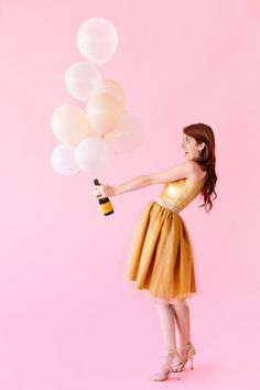 ALSO LOVE THIS ONE - plus I could drink champagne all night!!!!! - DIY Balloon Halloween Costumes | Studio DIY®