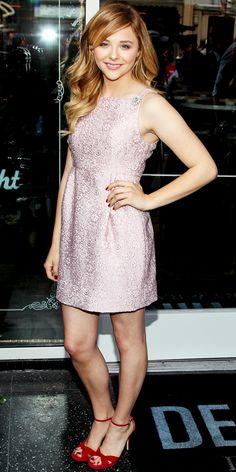 Chloe Grace Moretz wearing a powder-pink lace Dolce & Gabbana mini, with red Jimmy Choo heels. Beautiful Celebrities, Beautiful People, Chloe Grace Moretz, Fashion Advice, Look, Celebrity Style, Celebs, Actresses, Jimmy Choo