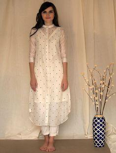 Ivory Handwoven Silk Chanderi Tunic is part of Chanderi suits - Salwar Designs, Kurta Designs Women, Kurti Designs Party Wear, Dress Neck Designs, Designs For Dresses, Blouse Designs, Indian Dresses, Indian Outfits, Stylish Dresses