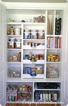 Pretty pantry organization ideas- shelves and drawers