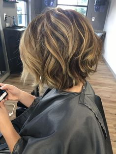 Choppy and Wavy Lob - 60 Inspiring Long Bob Hairstyles and Long Bob Haircuts for 2019 - The Trending Hairstyle Long Face Hairstyles, Hairstyles Over 50, Hairstyles For Round Faces, Summer Hairstyles, Quick Hairstyles, Fall Bob Hairstyles, Inverted Hairstyles, Lob Haircut Thick Hair, Black Hairstyles Crochet