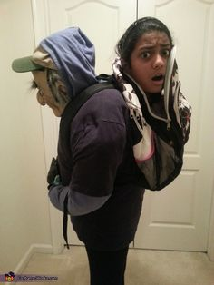 funny halloween costumes Neha: This is an illusion costume where it looks like I am being carried by an old man in his backpack. My mom and I love to make illusion costumes (Se Humour Halloween, Mode Halloween, Boxing Halloween Costume, Costume Garçon, Halloween Costumes Kids Boys, Halloween Costume Contest, Halloween Fashion, Boy Costumes, Costume Works