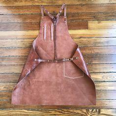 Artisan Apron in All Leather – ARTIFACT