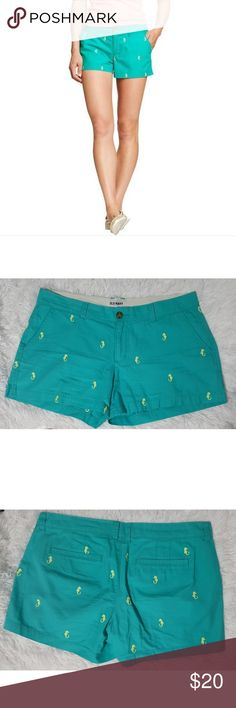 Old Navy Seahorse Teal and Yellow Shorts Old Navy Seahorse Teal and Yellow Shorts. Excellent used condition. No flaws. Size 10. Smoke free home. Old Navy Shorts