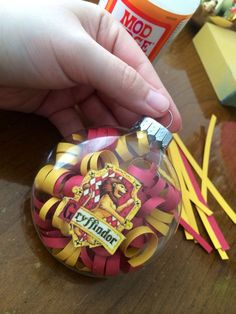 Harry Potter Ornament, Gryffindor Crest