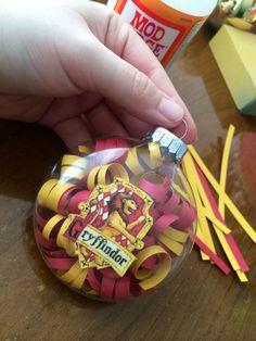 Harry Potter Ornament, Gryffindor Crest