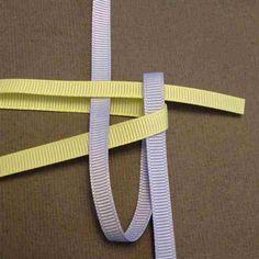 Ribbon twisted box braid Tutorial to create your own mini Hawaiian Lei bag charm. Twist Box Braids, Short Box Braids, Jumbo Box Braids, Twists, Haircut Styles For Women, Short Haircut Styles, Box Braids Tutorial, Under Braids, Faux Locs Styles
