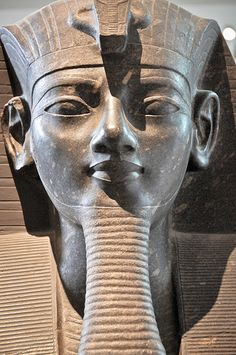 Colossus of Amenophis III, Thebes Ancient Egyptian Artifacts, Ancient Art, Ancient History, Egyptian Kings And Queens, Egyptian Queen, Egyptian Party, Kemet Egypt, African History, Ancient Civilizations