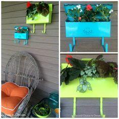 DIY Mailbox Planters - How to Garden-Design Antique Mailbox, Old Mailbox, Mailbox Ideas, Flower Planters, Garden Planters, Flower Pots, Outdoor Landscaping, Outdoor Gardens, Backyard Patio