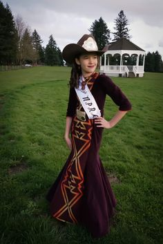 Pendleton and aubergine colored velveteen rodeo queen dress created by Ariana Head. Rodeo Outfits, Western Outfits, Western Wear, Cute Outfits, Queen Outfit, Queen Dress, Rodeo Queen Clothes, Princess Outfits, Cowgirl Style