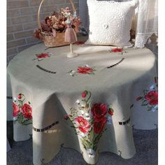 Linens & Textiles (1930-now) Elegant White Cutwork And Embroidered Madeira Linen Tablecloth 49 Inches Round Comfortable And Easy To Wear Antiques