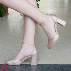 Incaltaminte Pumps, Heels, Fashion, Heel, Moda, La Mode, Pump Shoes, Pumps Heels, Fasion