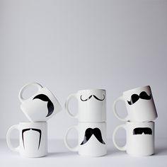 Mug Chino by Narciso y Priscila. Decohunter. Regalos originales. ideas de regalo. Amor y amistad. Encuentra dónde comprar este diseño y Producto en Colombia