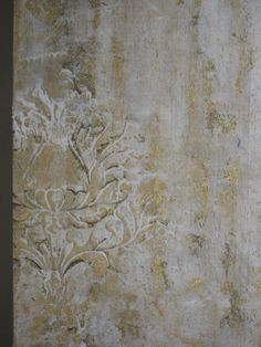 Gorgeous stenciled plaster finish with our Corsini Damask by Rebecca Slaton. http://www.royaldesignstudio.com/products/corsini-damask-stencil